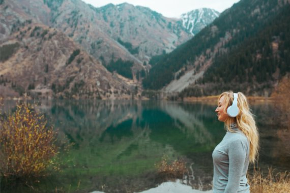 Mindset audiobooks allow you to tap into uplifting words of wisdom.