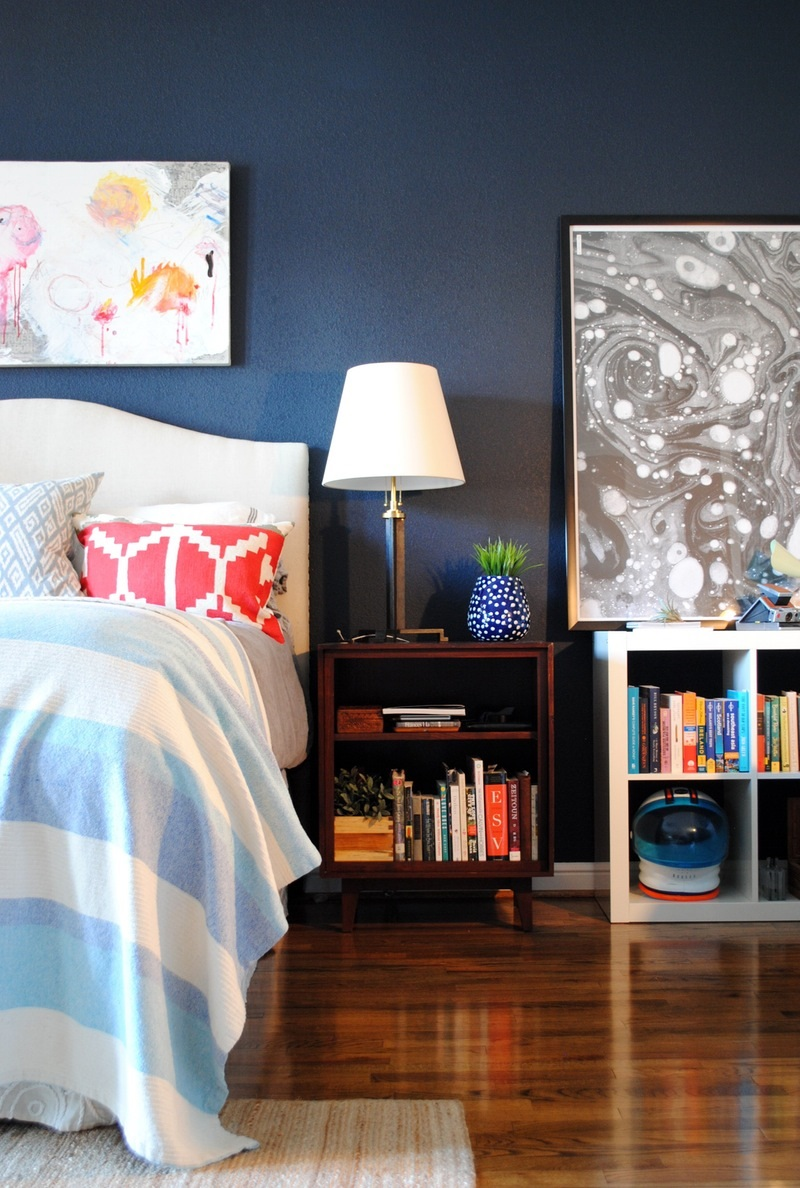 source: appartmenttherapy.com Mark's Comfortable Contemporary in Houston