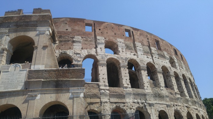 Up Close to The Colosseum / Why Does The Colosseum Have Holes