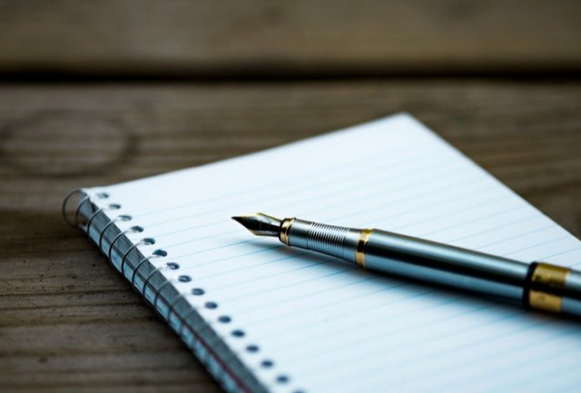 Handwriting vs. Typing - Why I'll Never Let Go Of Paper and Paper